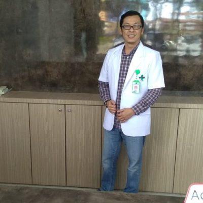 dr. Riza Hendrawan, SP.OG